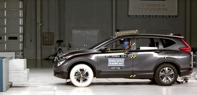 2017 Honda CR-V'ye IIHS güvenlik testinde