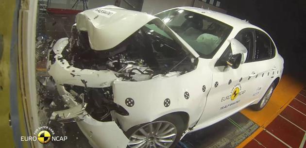 Alfa Romeo Giulia Euro NCAP'ten Tam Not Aldı