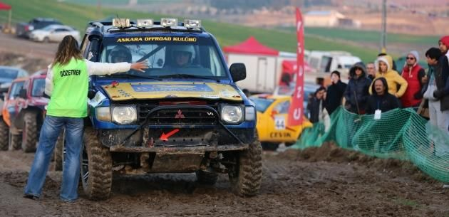 Mebuskent'te y�l�n son Off Road yar���