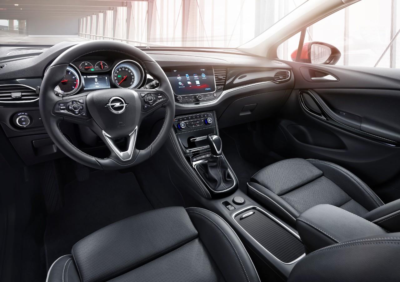 2016 Opel Astra Detaylı Resim Galerisi