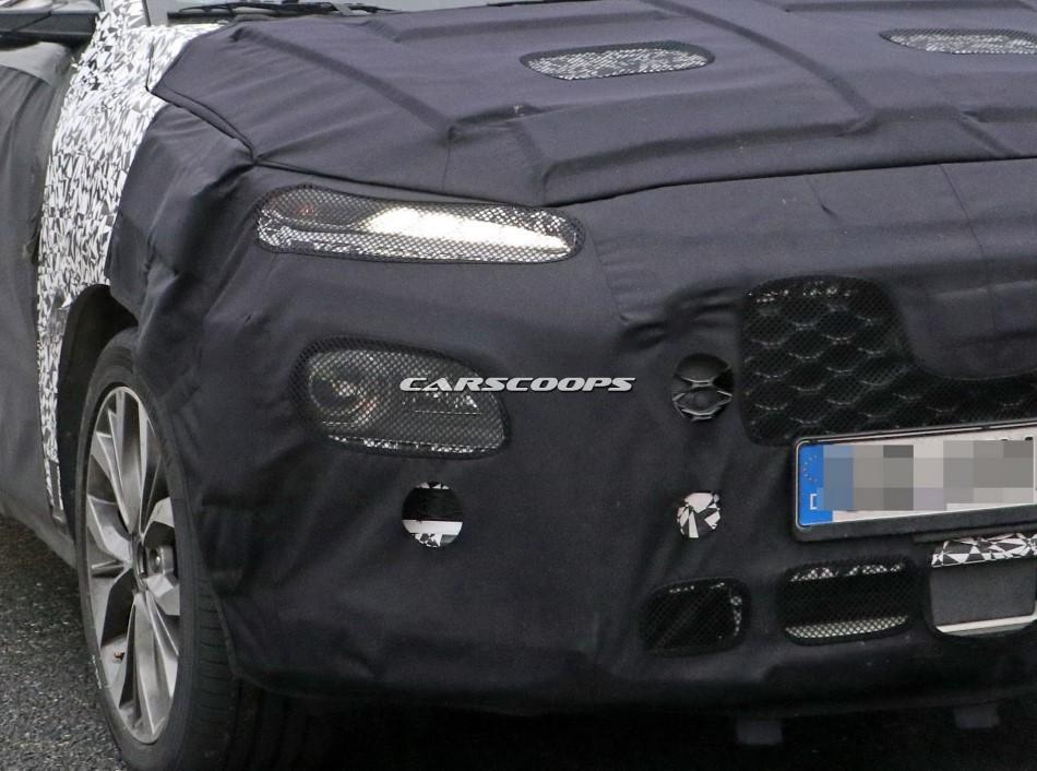 Hyundai'nin yeni küçük SUV'sinden görüntüler
