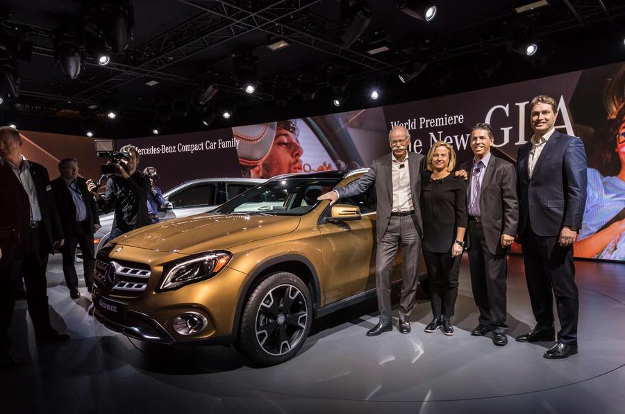 Mercedes Detroit'te yeni kompakt modellerini duyurdu